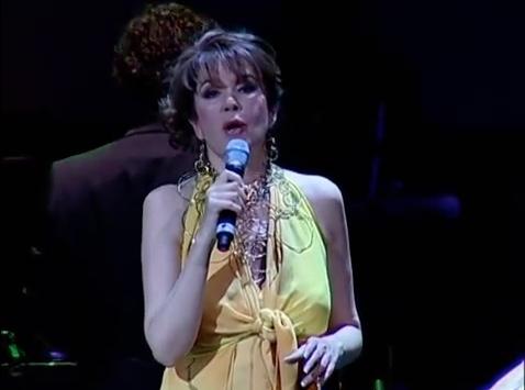 """Guadalupe Pineda interpreta """"Cómo Fue"""""""