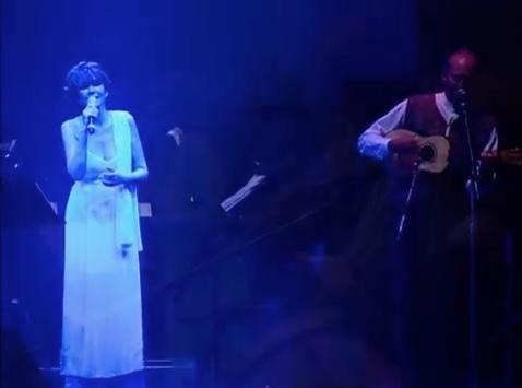 """Guadalupe Pineda interpretando """"Guerreros de Luz"""""""